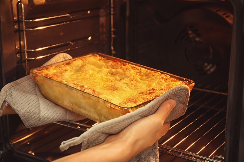 reheating lasagna in oven